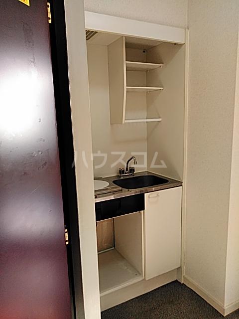 ハイドアウト園 108号室のキッチン