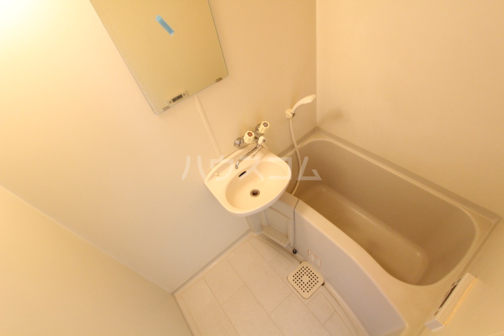 ラルーチェ若宮 203号室の風呂