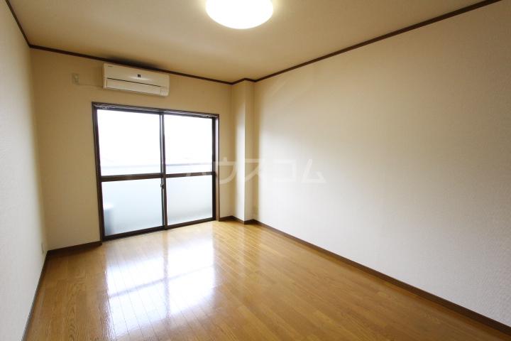 ラルーチェ若宮 203号室の居室