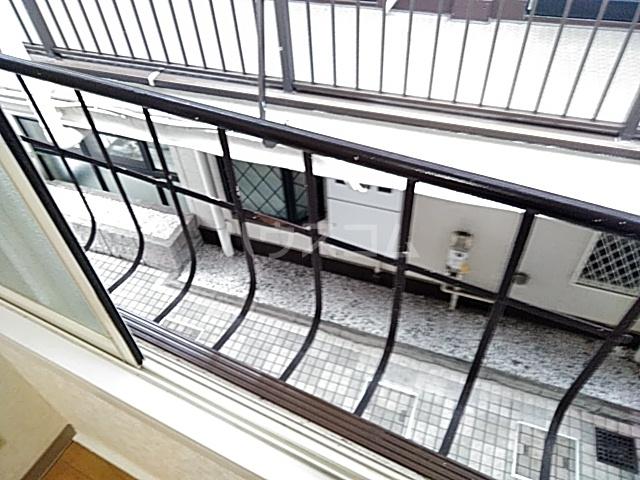 プチメゾンⅡ 212号室のバルコニー