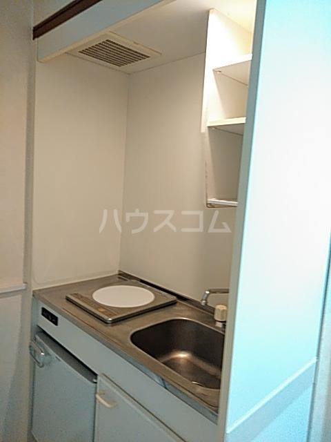 プチメゾンⅡ 212号室のキッチン