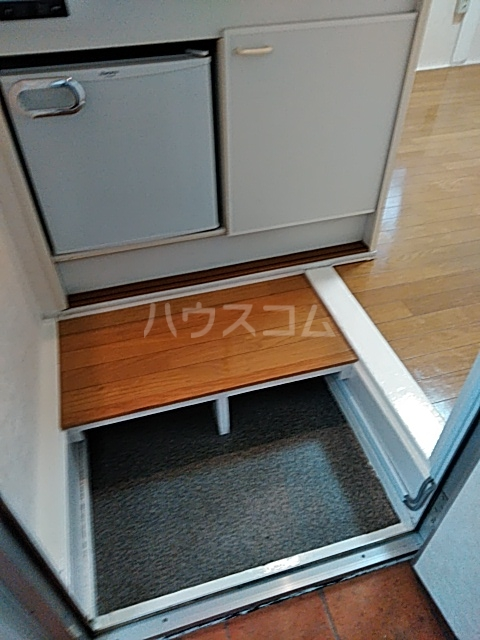 プチメゾンⅡ 212号室の玄関