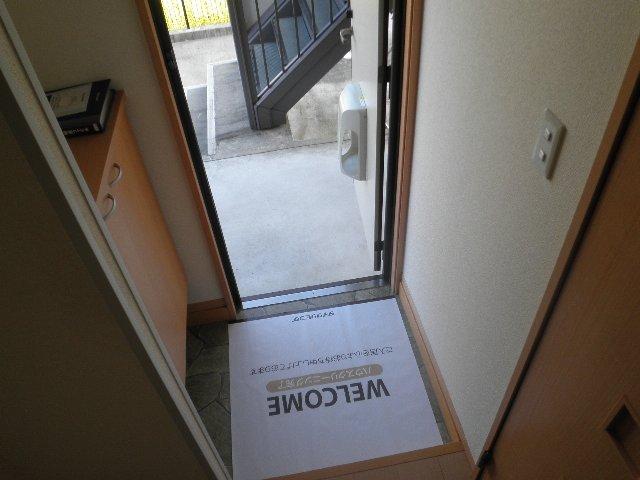 サザンクロス 105号室の玄関