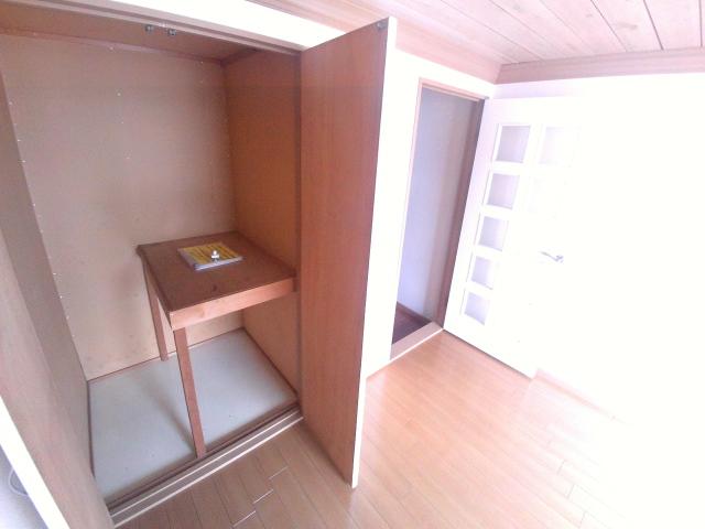 ジュネス芦谷 1-8号室の収納
