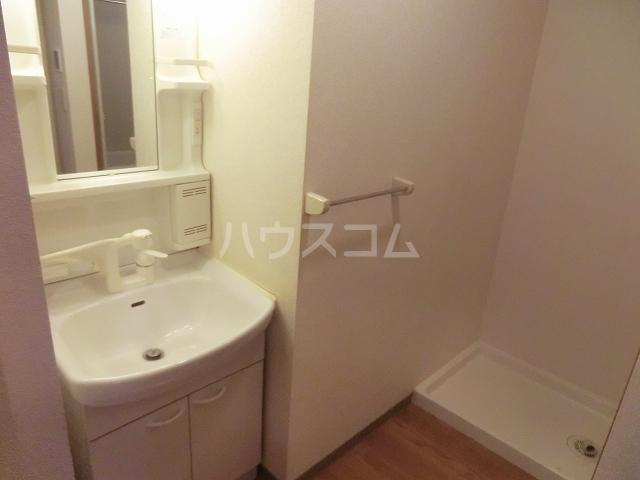 アメニティーB 202号室の洗面所
