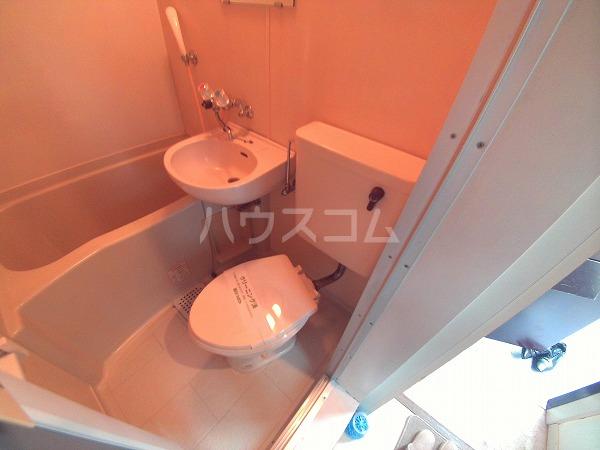 グリーンハイツ六名 206号室のトイレ