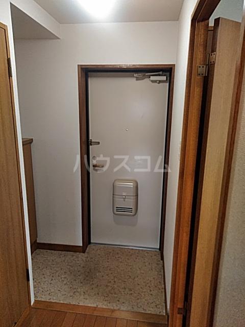アルカディアタウン 104号室の玄関