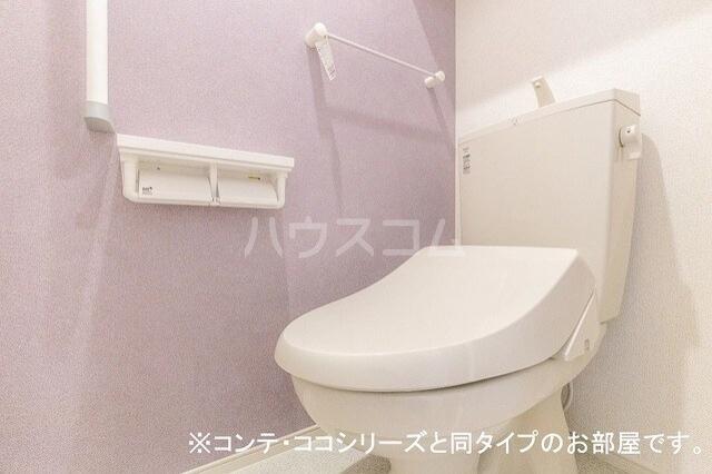 フォレスト 横須賀 01010号室のトイレ