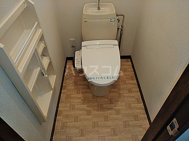 レジダンスカルム 201号室のトイレ