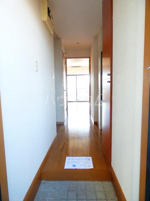 ベリーノ 205号室の玄関