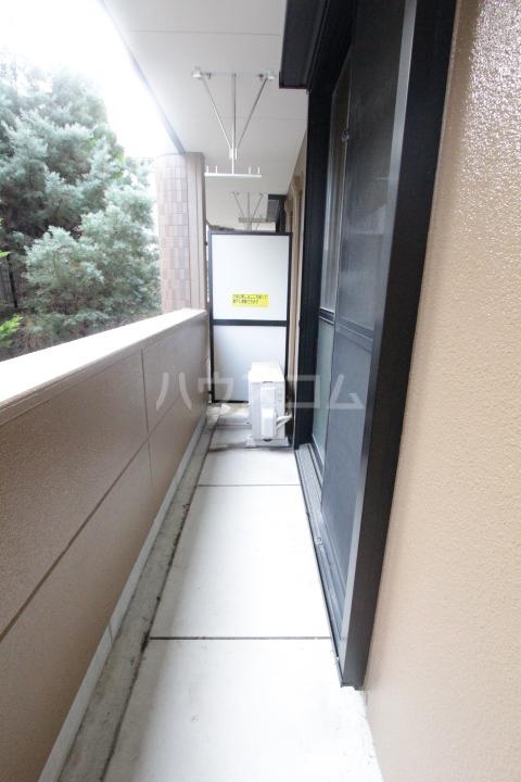 エバーハイツA 105号室のバルコニー