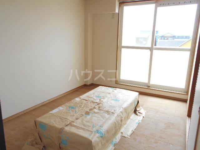 シャドロン 101号室の居室