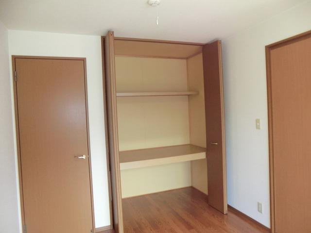 ジュネス美彩 102号室の収納