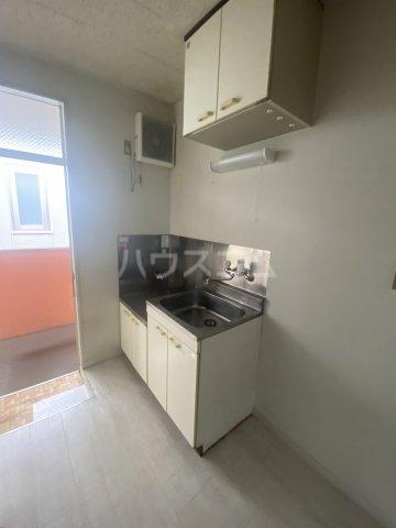 石川ハイツ 203号室のキッチン