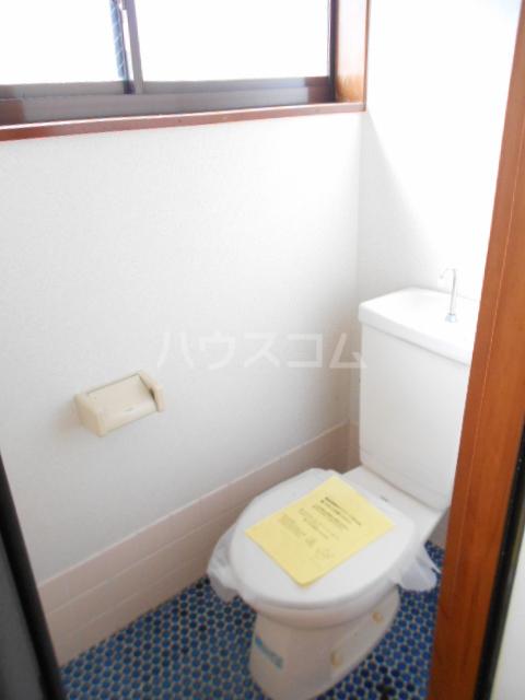第七秀月荘 201号室のトイレ
