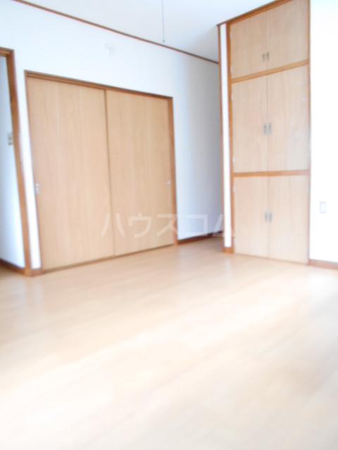 第七秀月荘 201号室のリビング