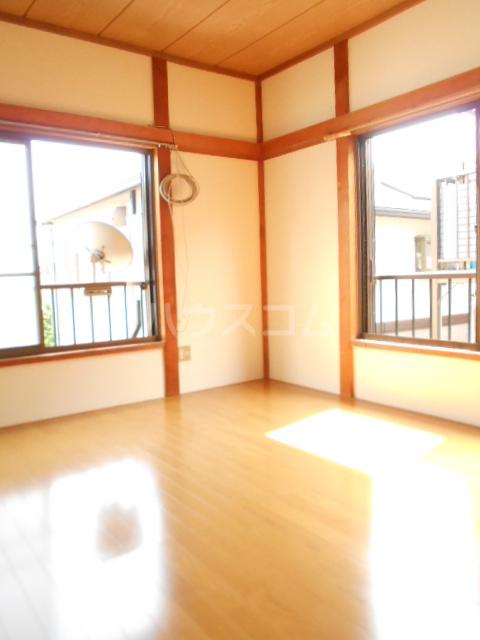 第七秀月荘 201号室の居室