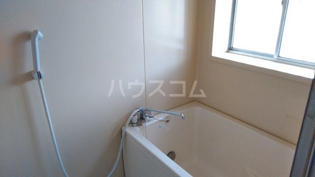 第二城田荘 202号室の風呂