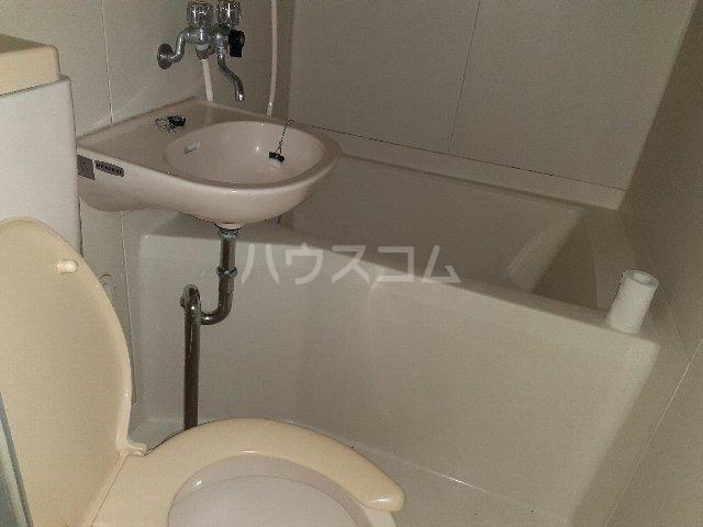 カモミールビレッジ 102号室の風呂