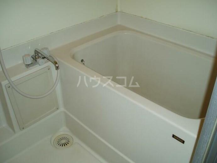 ロゼ・ゴールドハイツ 301号室の風呂