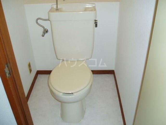 ロゼ・ゴールドハイツ 301号室のトイレ