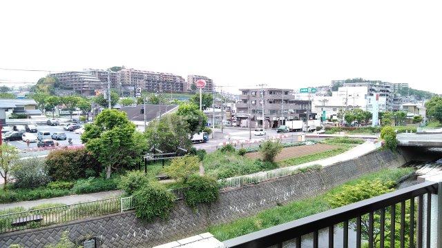 ヒヨシハイツ 303号室の景色