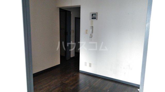 ヒヨシハイツ 303号室のリビング
