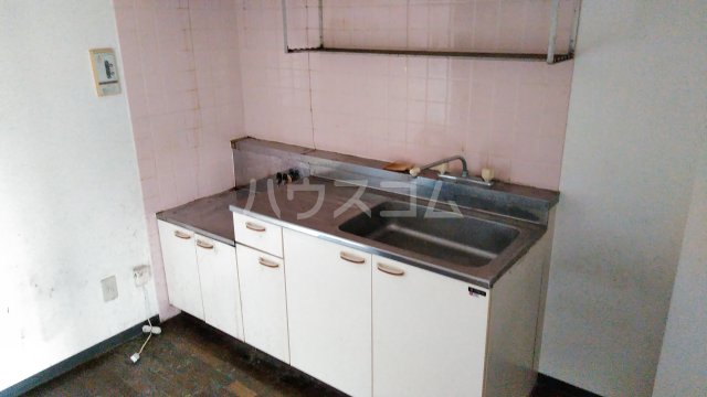 ヒヨシハイツ 303号室のキッチン