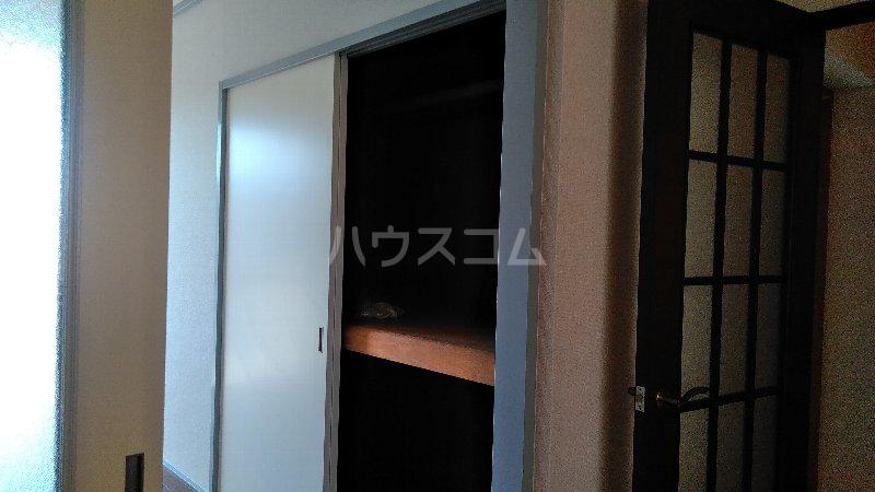 ヴィラ クレモナ 103号室の収納
