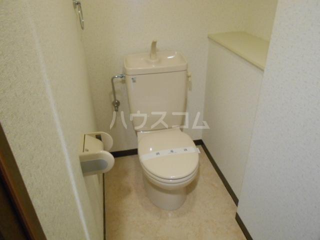 ウッドガーデン東戸塚A 101号室のトイレ