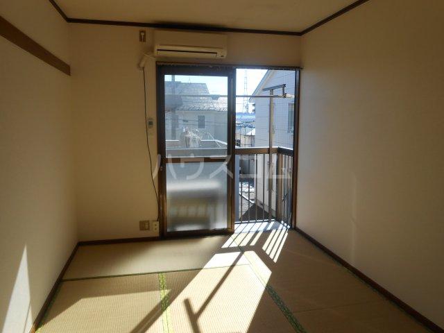 第2富士ヒルズ 203号室のリビング