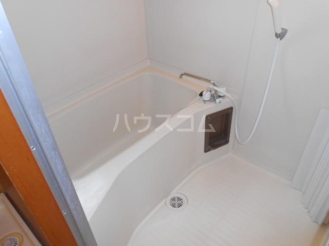 マンション築山(第2) 201号室の風呂
