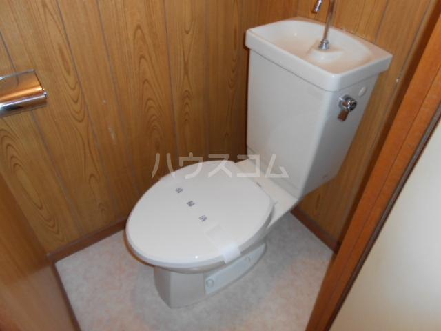 マンション築山(第2) 201号室のトイレ