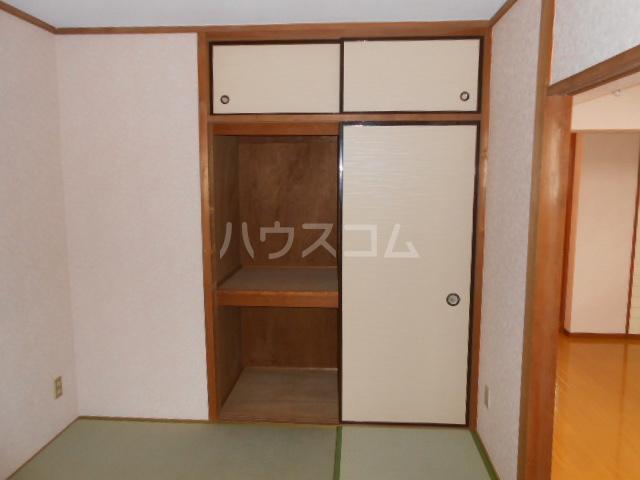 マンション築山(第2) 201号室の収納