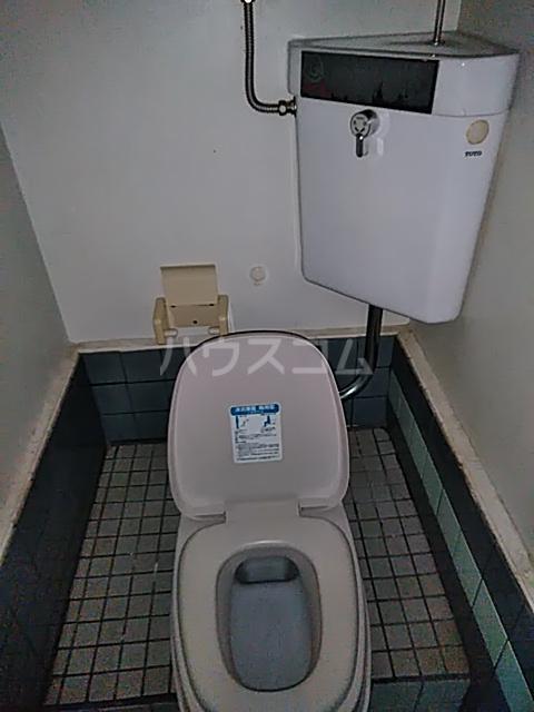 奥山ビル 302号室のトイレ