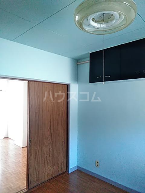 奥山ビル 302号室のリビング