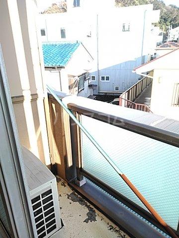 奥山ビル 303号室のバルコニー