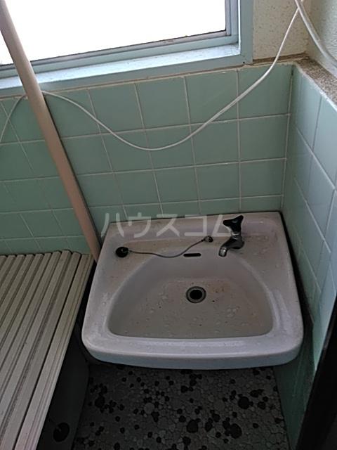 奥山ビル 303号室の洗面所