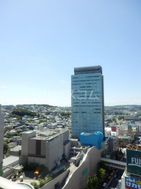 横浜ヘリオスタワー 1805号室の景色