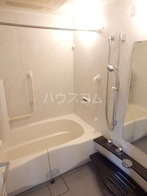 横浜ヘリオスタワー 1805号室の風呂