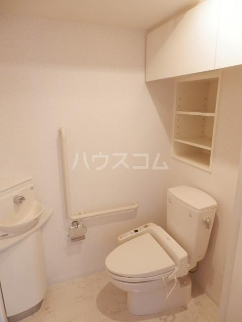 横浜ヘリオスタワー 1805号室のトイレ