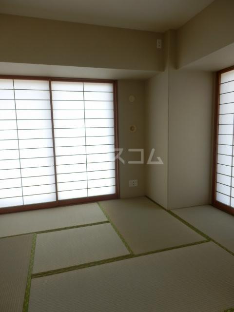 横浜ヘリオスタワー 1805号室の居室