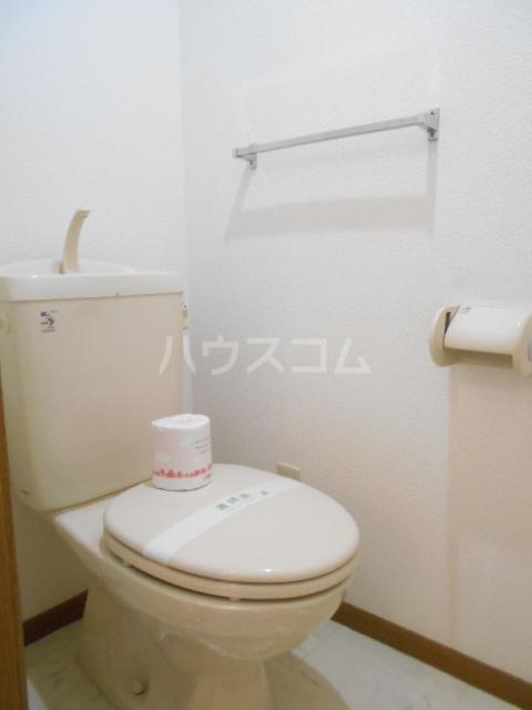 ソレアード二番館 02030号室のトイレ