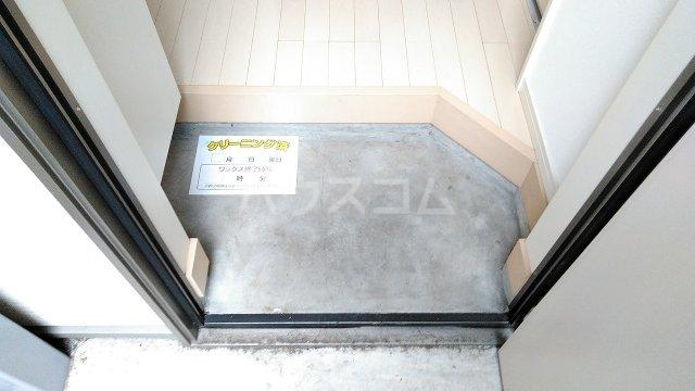 N.Y.アベニュー横浜 103号室の玄関