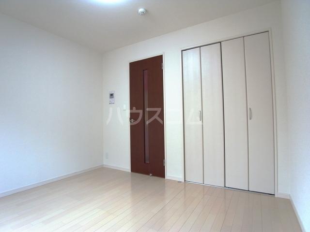 リブリ・パルテール 102号室の居室