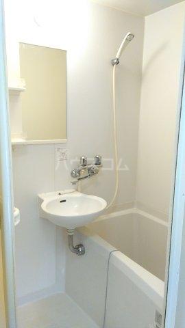 オメガパレス9丁目 203号室の風呂