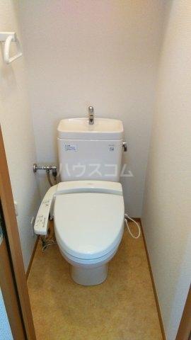 オメガパレス9丁目 203号室のトイレ