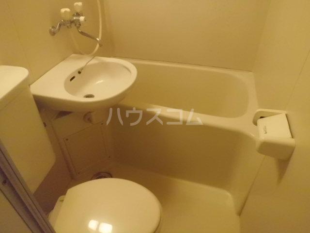 プロバンス 203号室の洗面所