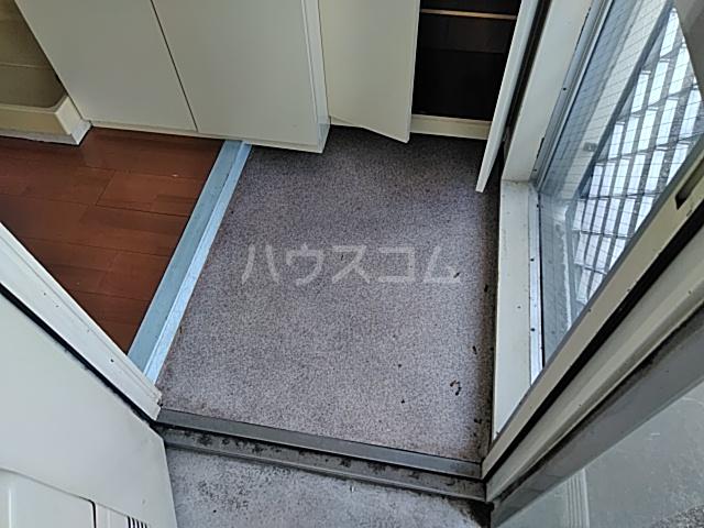 プロバンス 208号室の玄関