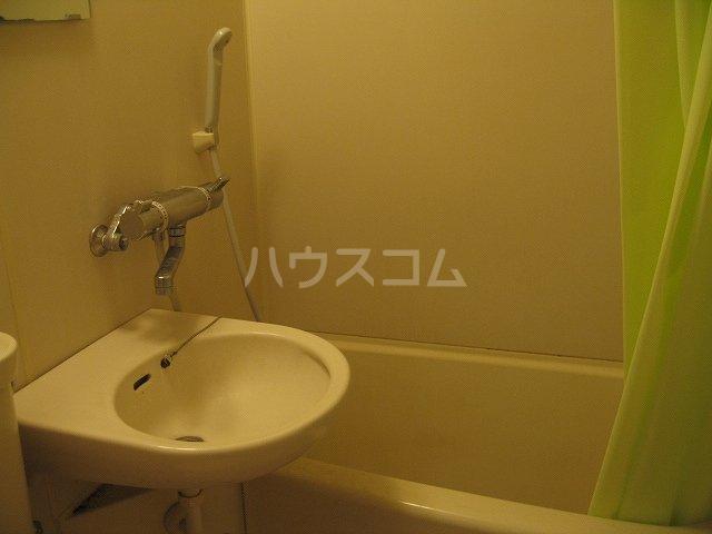 プロバンス 306号室の洗面所